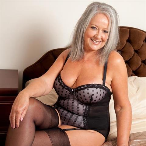 59 jarige vrouw zoekt seks in Overijssel