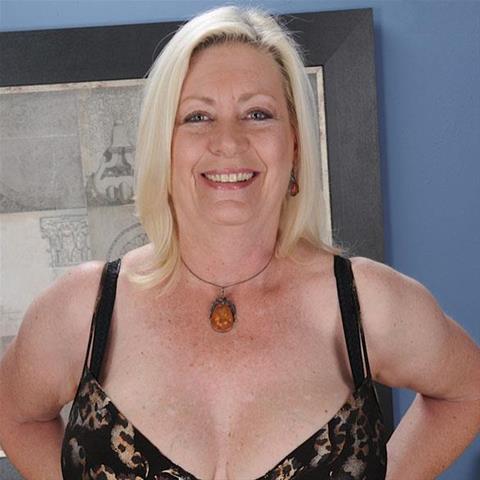 61 jarige oma zoekt seks in Gelderland