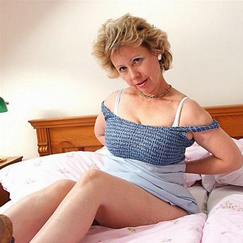 62 jarige oma zoekt seks in Noord-Holland