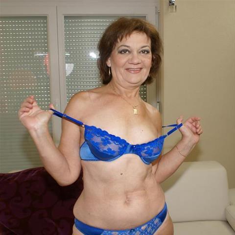 62 jarige vrouw zoekt seks in Drenthe