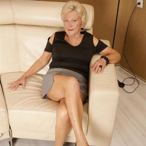 65 jarige oma zoekt seks in Gelderland