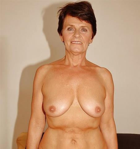 59 jarige oma zoekt seks in Flevoland