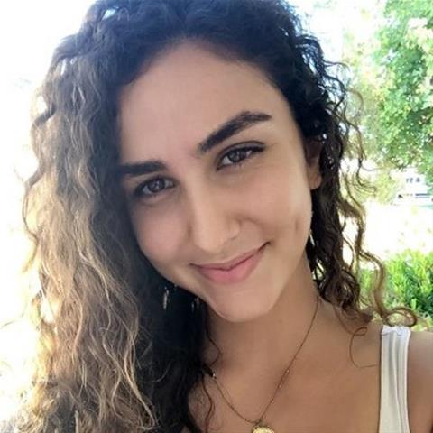 Neuken met deze 28-jarige jongedame