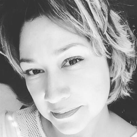 Laat je ontknapen door 38-jarig jongedametje uit Drenthe