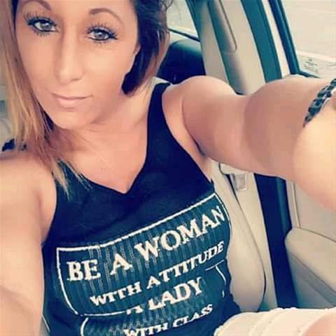 Regel een ontmoeting met deze 42-jarige vrouw