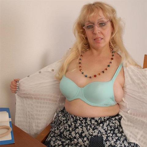62 jarige oma zoekt seks in Gelderland