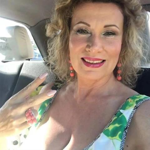 Lekkere date met deze 53-jarige vrouw