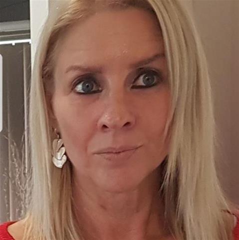 Maak een afspraakje met deze 54-jarige vrouw