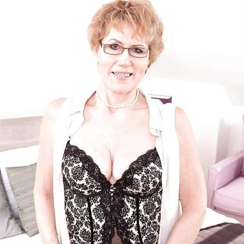 65 jarige oma zoekt seks in Utrecht