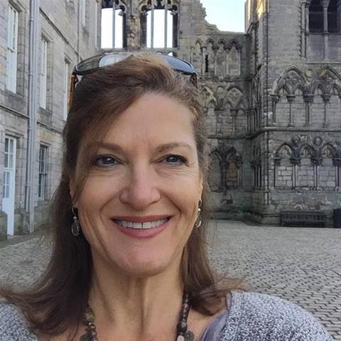 Laat je ontknapen door 58-jarig omaatje uit Limburg