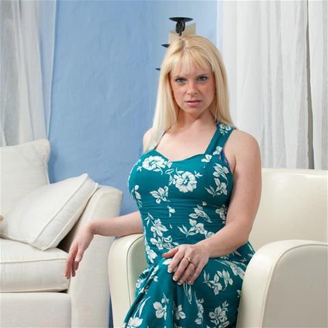 Gratis sex met 38-jarig jongedametje uit Noord-Holland