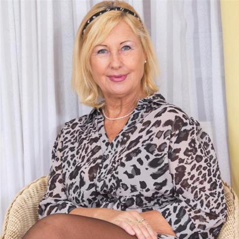 Erotische ontmoeting met 68-jarig omaatje uit Flevoland