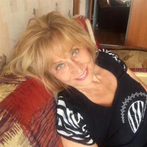 62 jarige vrouw zoekt seks in Noord-Brabant