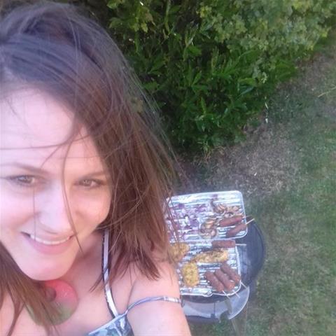 Laat je ontknapen door 49-jarig dametje uit Drenthe