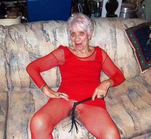 Laat je ontknapen door 68-jarig omaatje uit Noord-Brabant