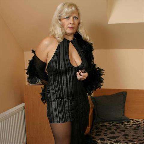 64 jarige oma zoekt seks in Noord-Brabant