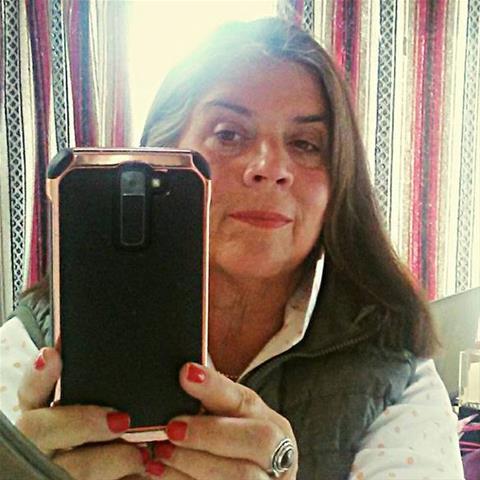Laat je ontknapen door 63-jarig omaatje uit Noord-Holland