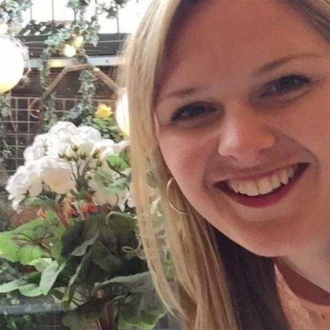 Geile date met deze 32-jarige jongedame