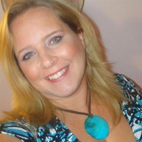 Gratis ontknaping bij 37-jarig jongedametje uit Overijssel