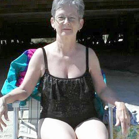 Gratis sex met 64-jarig omaatje uit Noord-Holland